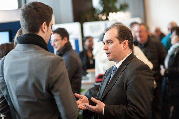 Klaus Wolfermann nach seinem Vortrag über rentable Wiederanlage von Verkaufserlösen in einem Portfolio von Wohn-Immobilien